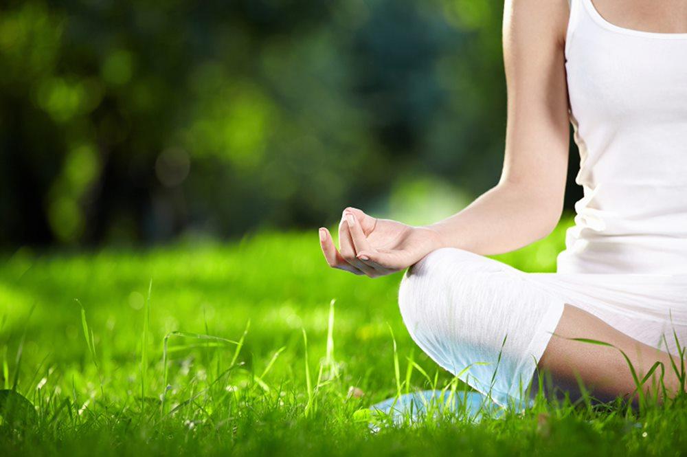 Yoga – thiền tịnh giúp tinh thần thư thái, rất tốt cho người bị ra mồ hôi nhiều